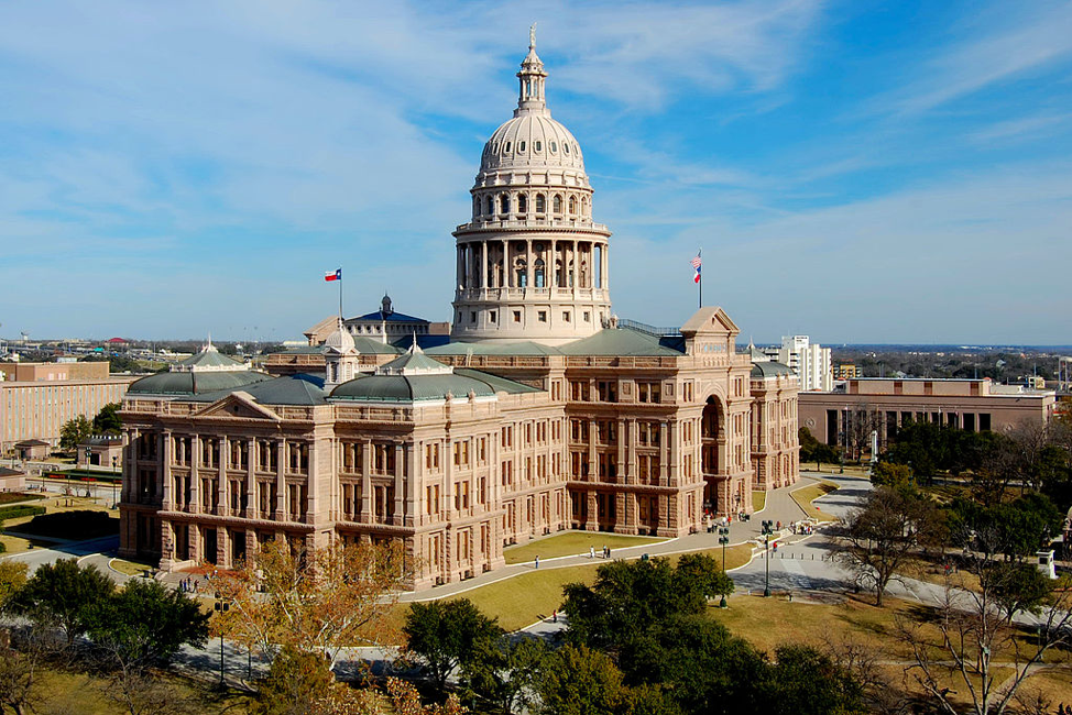 4 Tips to Getting Involved with Public Policy for UT Students